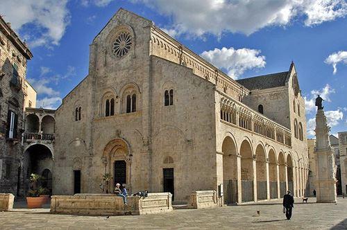 Bitonto la citt medievale e la cattedrale romanica for B b porta baresana bitonto