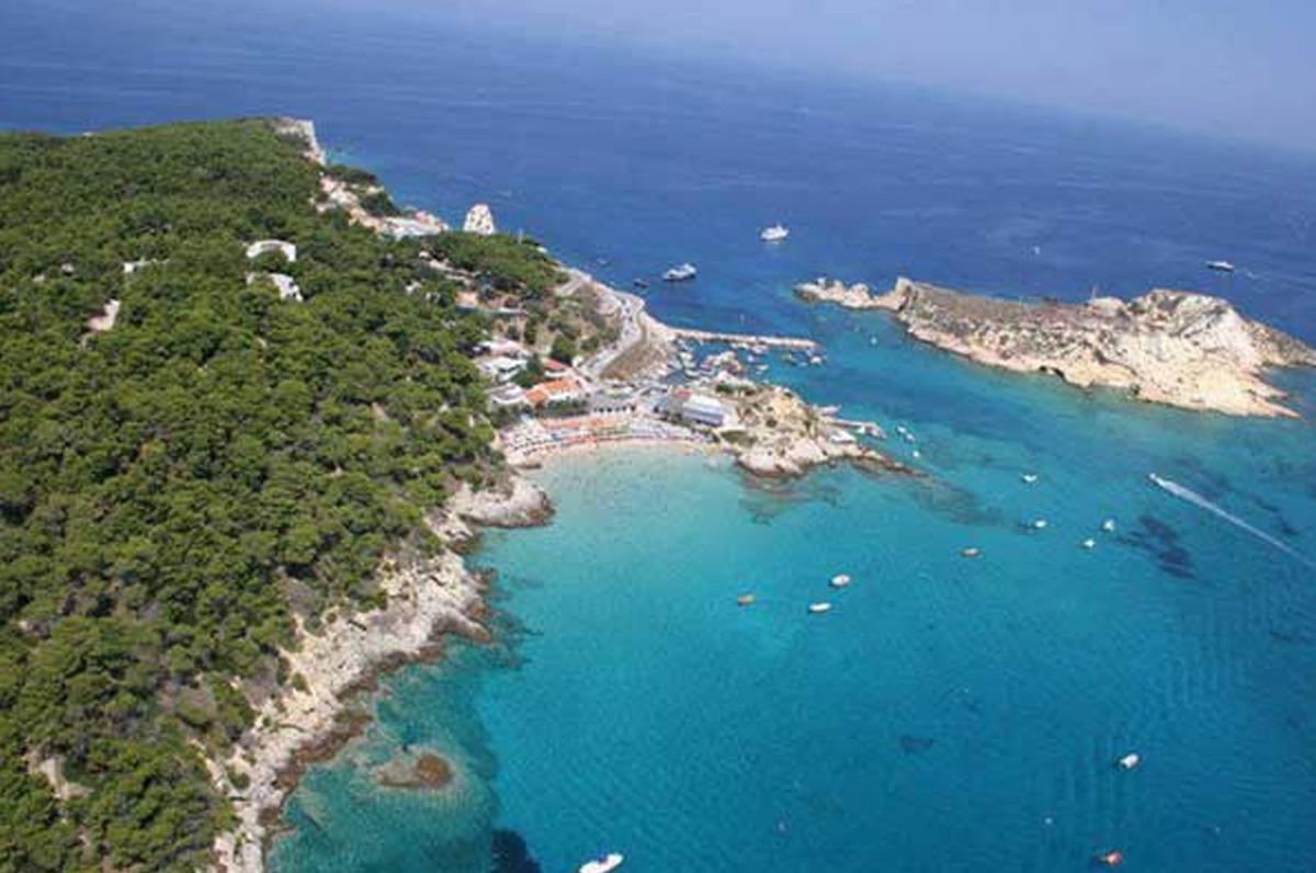 Cartina Puglia Isole Tremiti.Isola Di San Domino Tremiti L Isola Piu Grande Con Vocazione Turistica