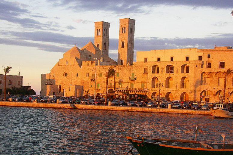 Cartina Puglia Molfetta.La Costa A Nord Di Bari Barletta Trani Bisceglie Tra Le Citta Piu Belle Dell Area