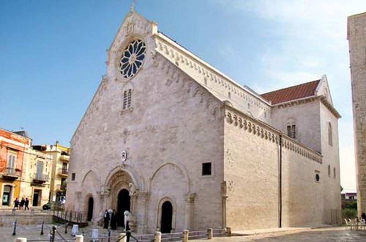 Ruvo Di Puglia Cartina.Ruvo Di Puglia La Cattedrale E Le Ceramiche Apule