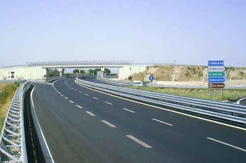 Il progetto dell'autostrada Bari-Lecce per collegare la A14 alla statale 16