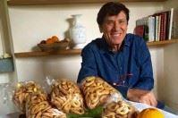 Gianni Morandi e i taralli di Bitonto: l'elogio fa impazzire il web