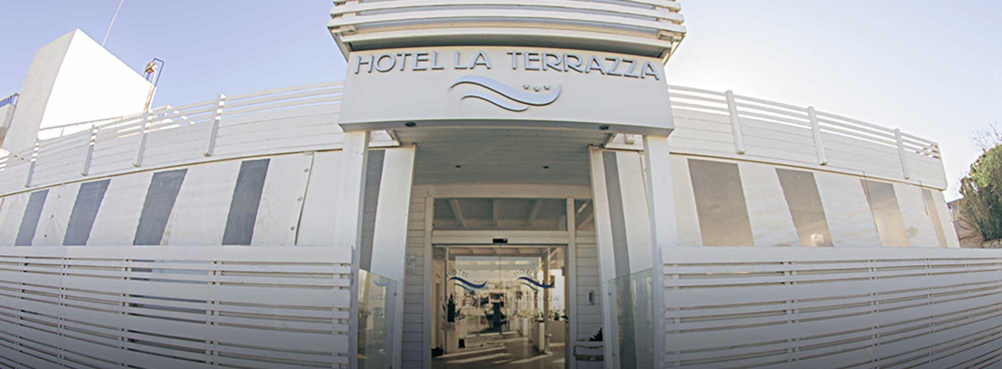 Hotel La Terrazza Barletta (BT) - Camere vista mare e ristorante