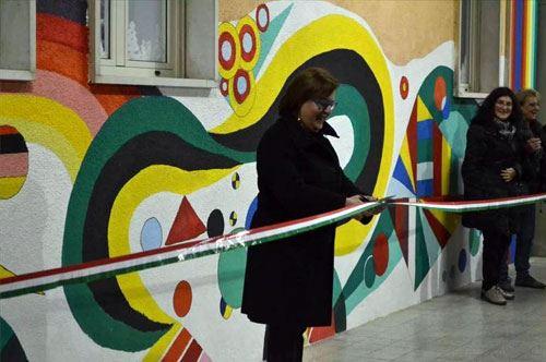 """Corato, ecco Kandinskij sui muri della scuola """"Battisti-Giovanni XXIII"""""""