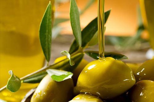 Olio italiano solo sulla carta, 7000 tonnellate sequestrate in Puglia