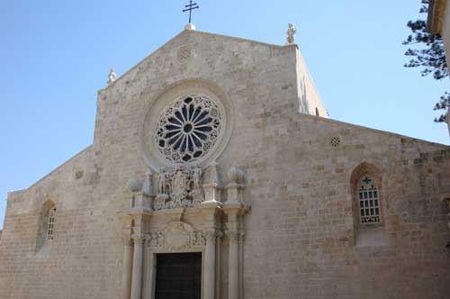 Puglia, pioggia di denaro sulle cattedrali: 8 milioni per il recupero