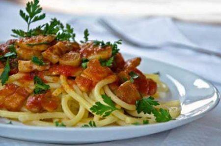 Troccoli funghi e salsiccia: ricetta foggiana
