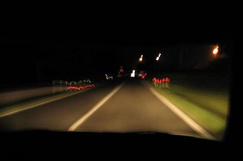 Soccorse donna su autostrada, i familiari lo rintracciano su Facebook