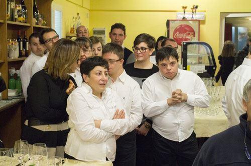 """""""Si può fare"""": Andria porta in cucina la cena solidale"""