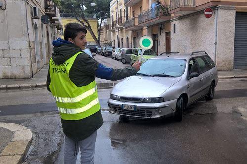 """Studenti-ausiliari del traffico, a Trani si può: il progetto del liceo """"De Sanctis"""""""