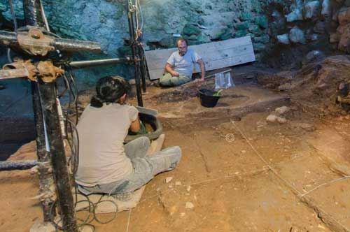 Un viaggio nel tempo alla Grotta del Cavallo? Ora si può