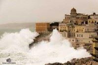 """La furia del mare a Santa Cesarea: un """"quadro fotografico"""""""