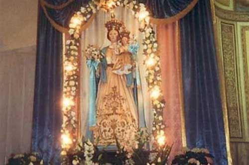 """Roccaforzata, il paese difende la statua della Madonna """"messa all'angolo"""""""