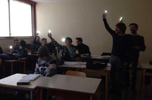 """Bari, l'Uds denuncia: """"A scuola senza luce e acqua"""""""