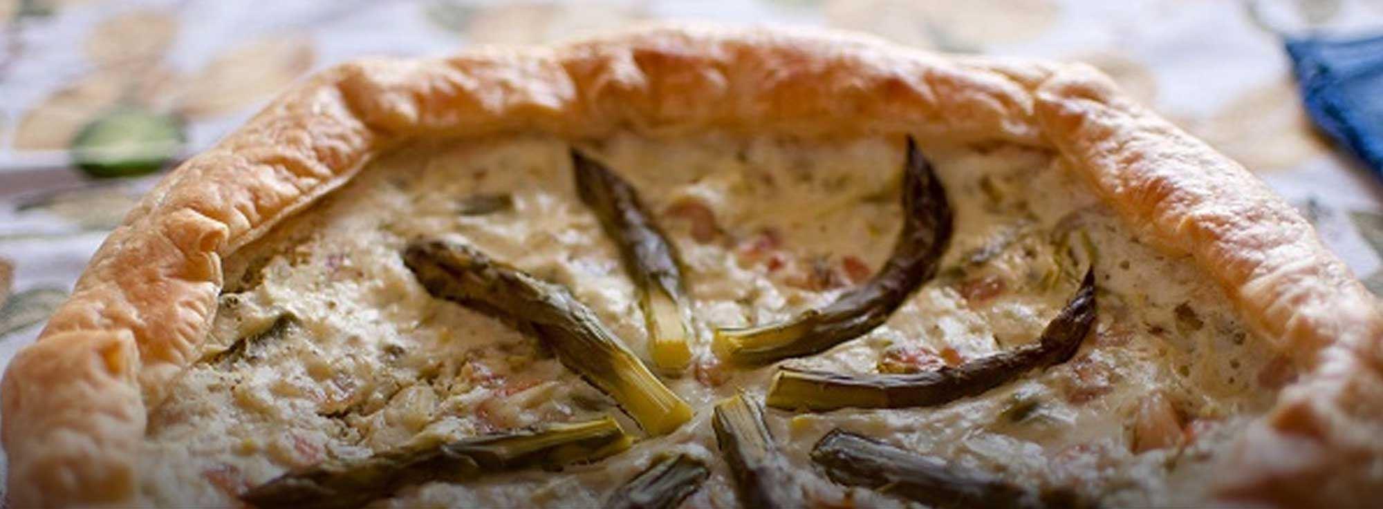 Ricetta: Torta salata di sgombri e asparagi