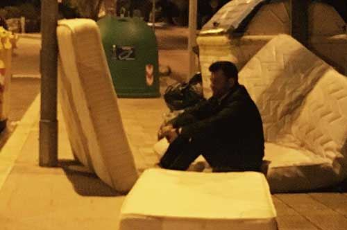 """Bari, Decaro condanna gli """"inzivosi"""" su Facebook"""