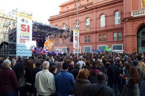 5000 in piazza a Bari verso il referendum del 17 aprile