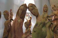 Tronchi e rami d'ulivo al servizio dell'arte, Trani ospita Mario Guerra