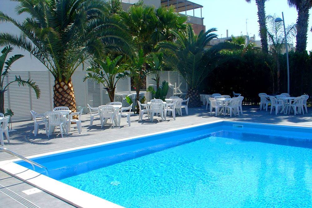 la terrazza barletta - 28 images - hotel la terrazza barletta puglia ...