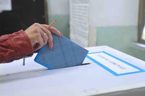 Puglia al voto: 14 ballottaggi ancora aperti, da Brindisi a Fasano