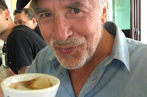 Lecce, c'è Don Johnson al bar: cappuccino al sapore di Miami Vice