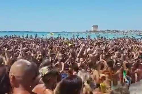"""""""Andiamo a comandare"""" conquista le spiagge di Porto Cesareo"""