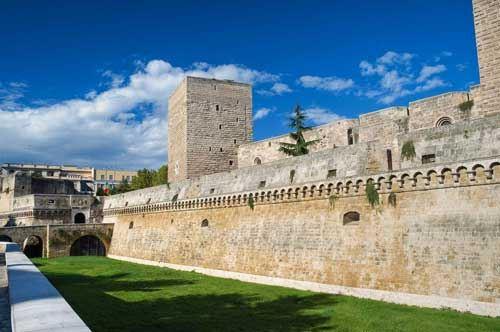Taranto e Bari, numeri-record per il turismo di Ferragosto