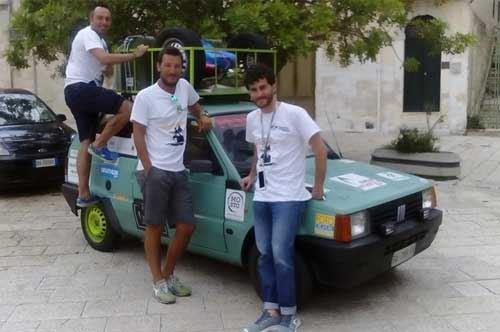 Mongol Rally, passa da Brindisi il sogno di tre giovani lucani