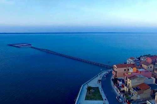 Lago di Lesina, inaugurata la passerella che porta all'isola di San Clemente