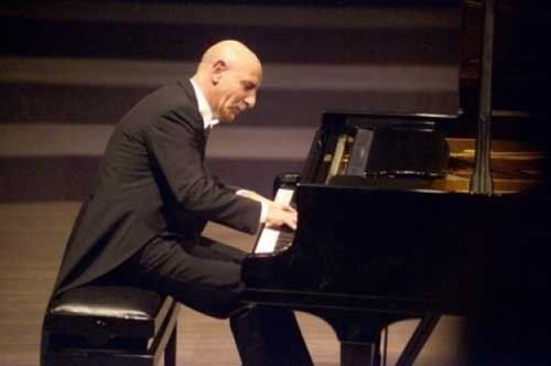 BrindisiClassica. Pianista Roberto Cappello
