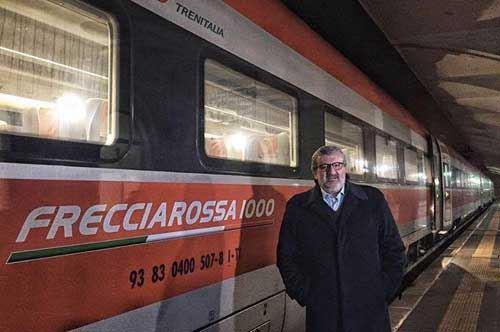 Frecciarossa da Taranto, Emiliano in versione reporter