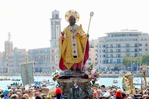 Si scrive Bari, si legge Russia: 3000 ortodossi in visita per San Nicola
