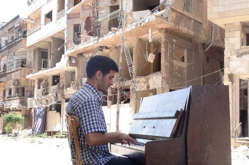 Aeham Ahmad, il pianista siriano in concerto