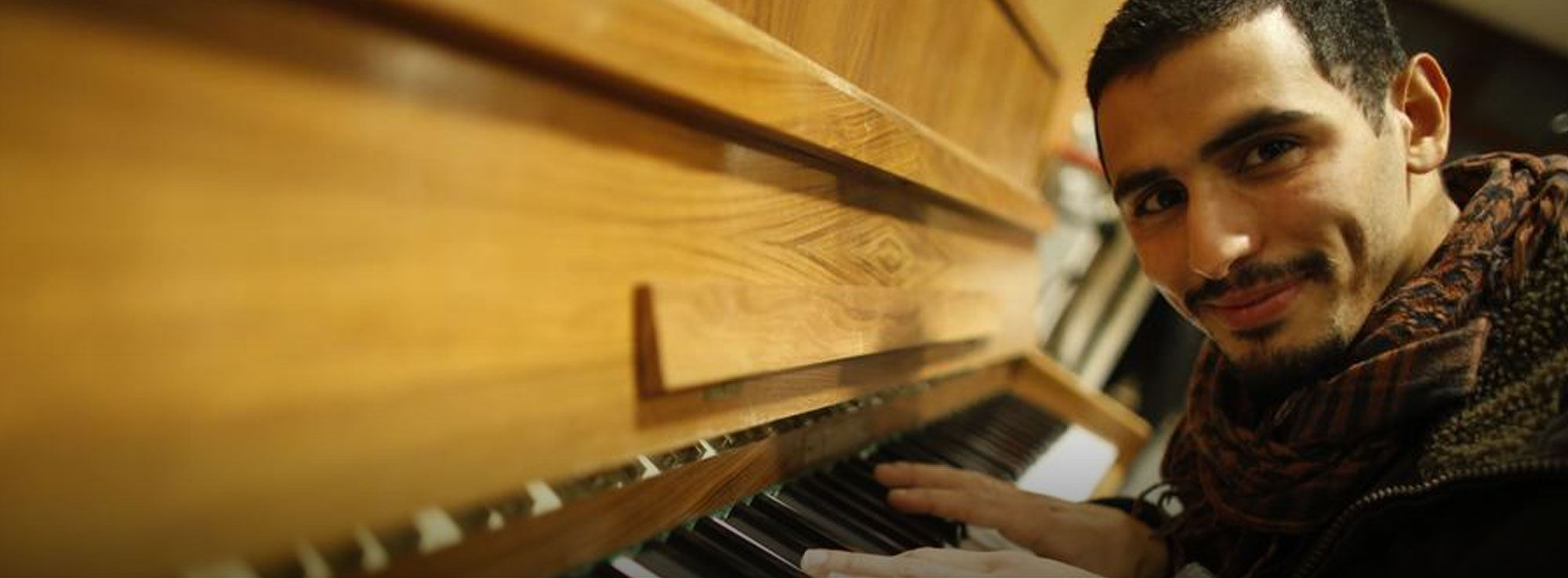 Taranto: Aeham Ahmad, il pianista siriano in concerto