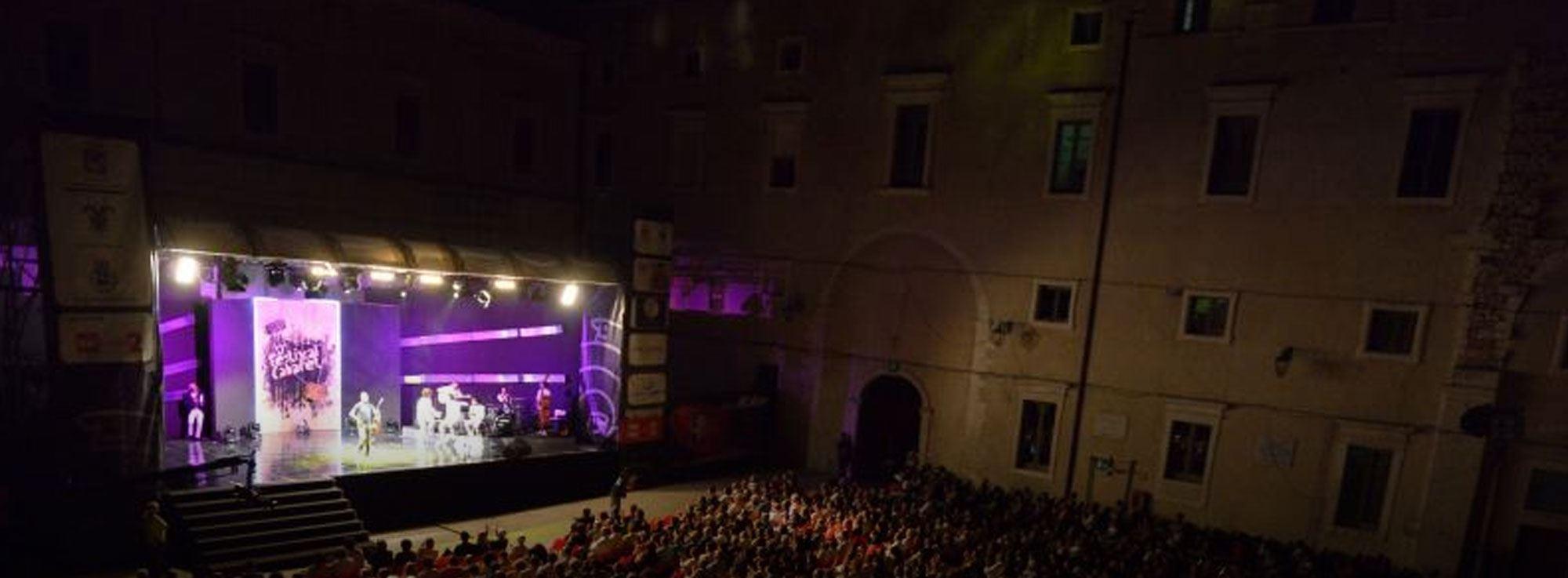 Martina Franca: Cabaret con i Cantieri Comici
