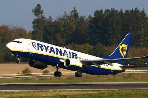 Volo Ryanair in ritardo di sei ore, coppia salentina risarcita