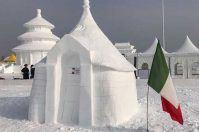 Alberobello conquista la Cina con una scultura di neve dei trulli
