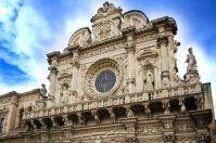 """Lecce, c'è un ascensore per ammirare la Basilica """"ingabbiata"""""""