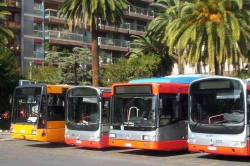Over 65, a Bari l'abbonamento del bus è gratuito