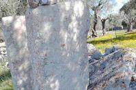 Carpignano Salentino, vandali contro il dolmen: la denuncia su Facebook