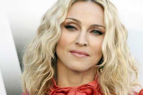 Vino pugliese e bagno al basilico, Madonna promoter d'eccezione