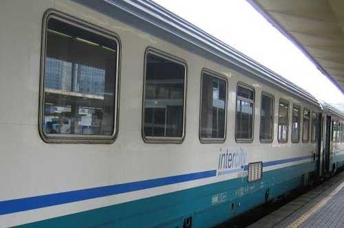 Trenitalia, più collegamenti da Foggia a Roma: ma Bari protesta