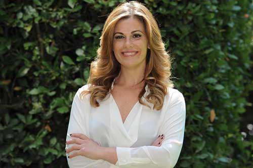 Vanessa Incontrada, saluto ai followers in pigiama da Maglie