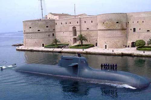 Taranto, la Marina Militare incorona il ponte girevole