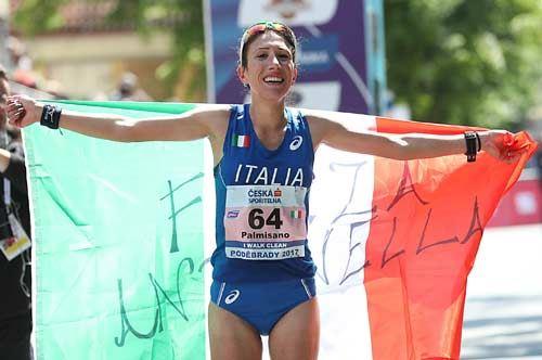 Marcia, la tarantina Palmisano rinuncia al record per raccogliere la bandiera italiana