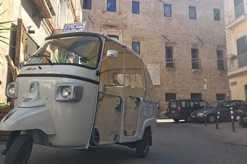 Taranto, ecco il calessino per il tour del centro storico