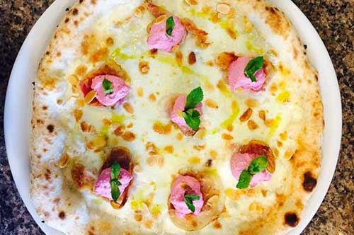 Giro d'Italia, ecco una pizza speciale ad Alberobello