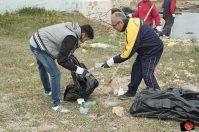 """""""A pesca di immondizia"""" tra Porto Cesareo e Taranto"""