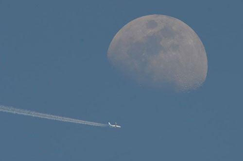 Salento, il volo aereo incontra la luna