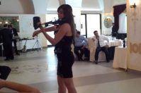 Despacito rivive nel violino di Chiara Conte, successo virale da Brindisi
